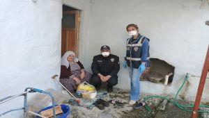 Tut İlçesinde Yaşlıların İhtiyaçlarını Polisler Karşılıyor