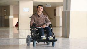 Üniversiteliler, Bedensel Engelli Arkadaşlarının Yüzünü Güldürdü