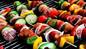 Uzmn Dyt. Tanoğlu: Bayramda eti öğlen yiyin, yanında bol salata tüketin