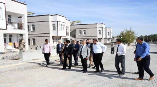Vali Aykut Pekmez, Samsat AFET Konutlarını İnceledi