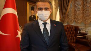Vali Çuhadar: Mayıs ayında normalleşeceğimizi umut ediyorum