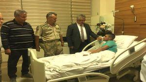 Vali Pekmez'den Barış Pınarı Harekatı'nda Yaralanan Askere Ziyaret