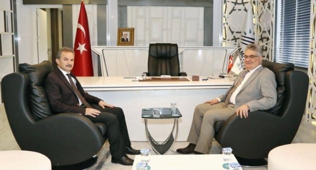 Vali Pekmez'den, Başkan Kılınç'a Hayırlı Olsun Ziyareti