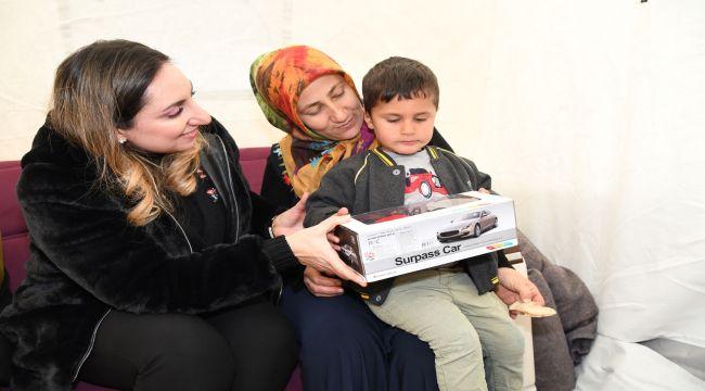 Vali Pekmez'den Sincikli Depremzedelere Ziyaret