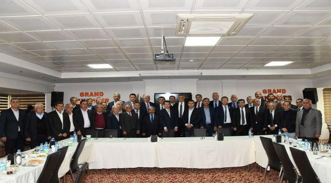Vali Pekmez, İl Genel Meclis Üyeleriyle Bir Araya Geldi