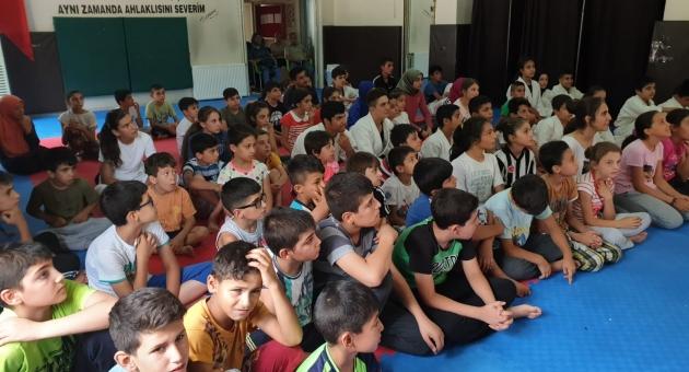 Yaz Spor Okullarına Katılan Sporcu Öğrencilere Trafik Eğitimi Başladı