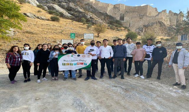 Yeşilaylı gönüllü gençler tarihi yerleri gezdi